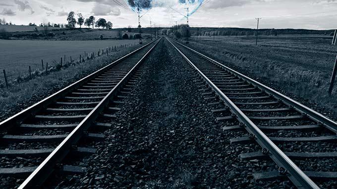 safely access the rail corridor